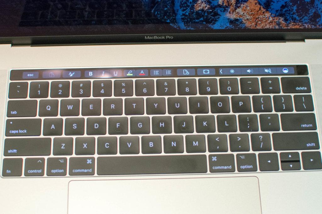 DSC_5235 TouchBar Word